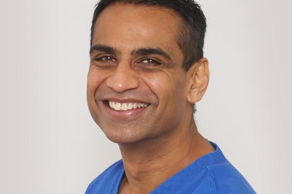 implant-dentist-keval